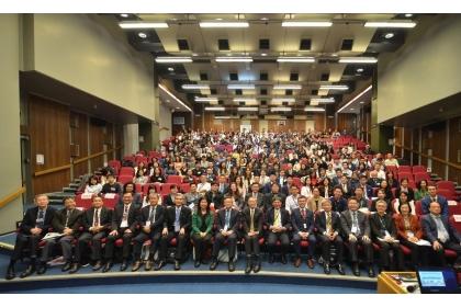 為延攬國外優秀學術研究人才來台任教,科技部長陳良基今(108)年3月30日至4月6日再度率國內9校大學校長、副校長等13位學校代表,31日第1站在英國倫敦國王學院(KCL)舉辦,吸引300餘人參與。圖/科技部提供