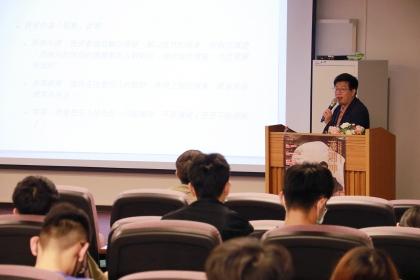 興大「川流台灣文學駐校作家」邀請新世代作家瀟湘神擔任5、6月駐校作家