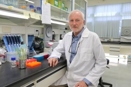 中興大學教授兼玉山學者格魯伊森姆(Wilhelm Gruissem)與跨國學者,本月在自然通訊(Nature Communications)發表文章,說明植物基因工程在解決微量營養素不足的突破性進展。
