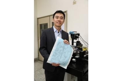 【聯合報】興大材料系助理教授賴盈至團隊研發奈米防水發電布料。圖/興大提供