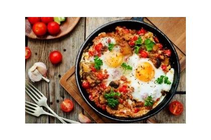 低醣飲食就是提倡減少碳水化合物攝取,並多吃脂肪和蛋白質來補充營養。(網上圖片)