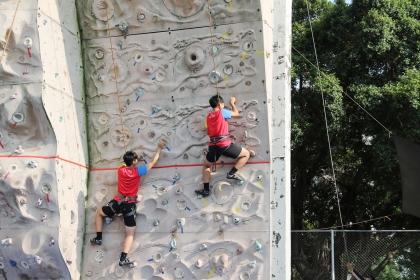 攀岩體驗,5月19日一天就吸引上百人來體驗