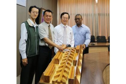 國立中興大學與經濟部水利署歷經17年的合作研究,設計出具有高排砂效能的魚骨型魚道。(中興大學提供)