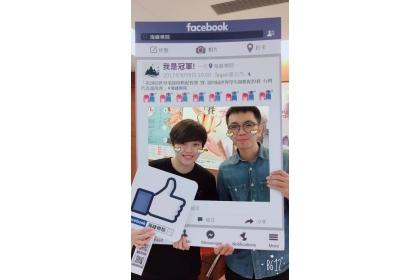 詹宜典(右)與陳青琴老師