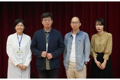 作家論壇與會作家劉梓潔(左一)、瀟湘神(左二)、黃崇凱(右二)、言叔夏(右一)合照