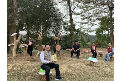 【聯合報】中興大學新化林場新打造的小鹿斑比原木造型區。