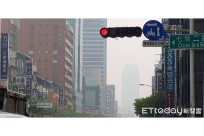 環保署表示,空氣品質已逐年改善。(示意圖/記者呂佳賢攝)