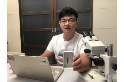 論文第一作者中興大學昆蟲學系大三生胡芳碩至今已發表過15篇論文。(圖胡芳碩提供)