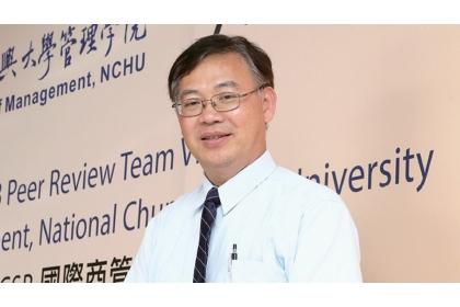中興管院院長詹永寬指出,中台灣產業以「在地中小企業」為主,由學校幫忙串連產官學,才能發揮最大的「打群架」綜效。 賴永祥 攝