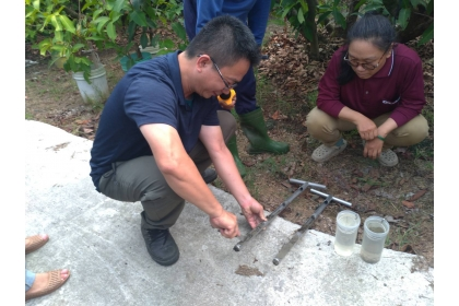 田間土壤採樣,幫農友了解土壤現況