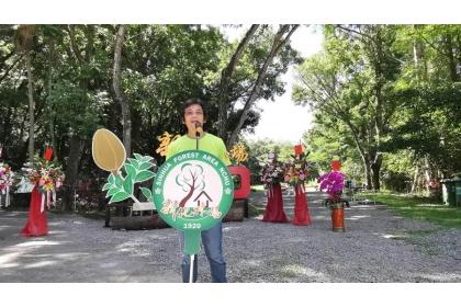 導演魏德聖出席新化林場100周年慶,宣布《臺灣三部曲》森林場景將全在此地拍攝。(莊曜聰攝)