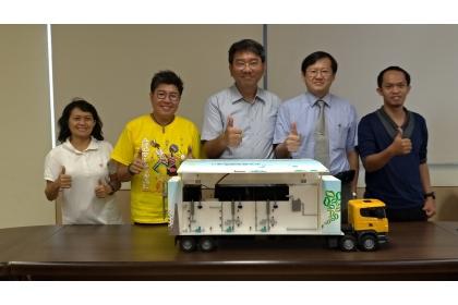 興大森林學系吳耿東副教授(右2)與研究團隊合影