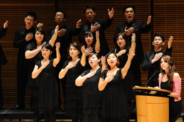 台北愛樂室內合唱團演出照片_《紐約卡內基音樂廳演出照片2(簡一夫/攝影)》