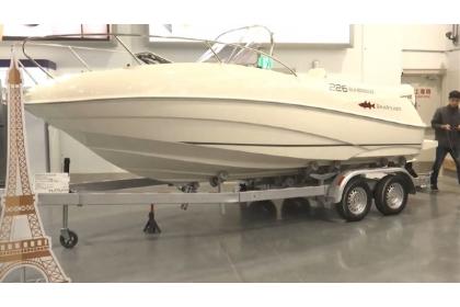 台中美式賣場在開張首日,就賣出2艘百萬遊艇。