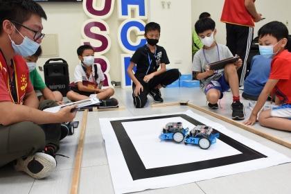 中興大學「臺灣大道的舊城區」USR團隊與臺中市中區區公所合辦「機器人動起來」公益活動