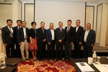 興大百年校慶亮點活動楊程鈞博士(右3)談華爾街先進投資策略